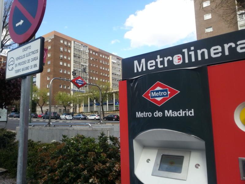 Repostar tu coche con el metro. La Metrolinera de Madrid.